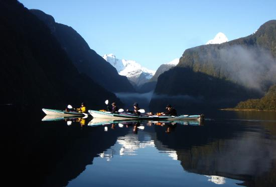 sea kayak doubtful sound